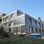 Fassade mit Kollektoren von Vögelin GMBH